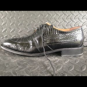 Stacy Adams snake skin dress shoe great condition
